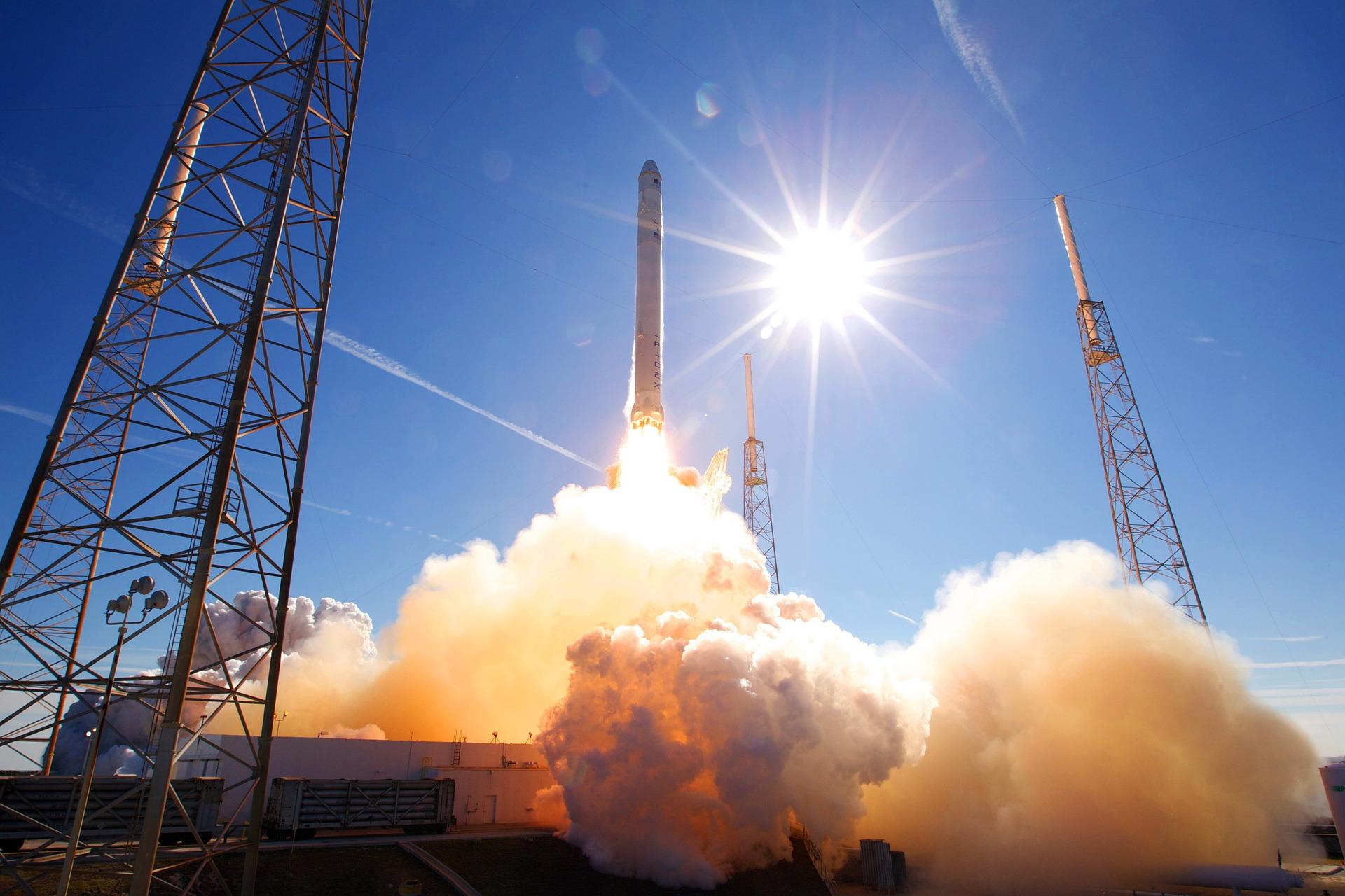 rocket-launch-693192_1920